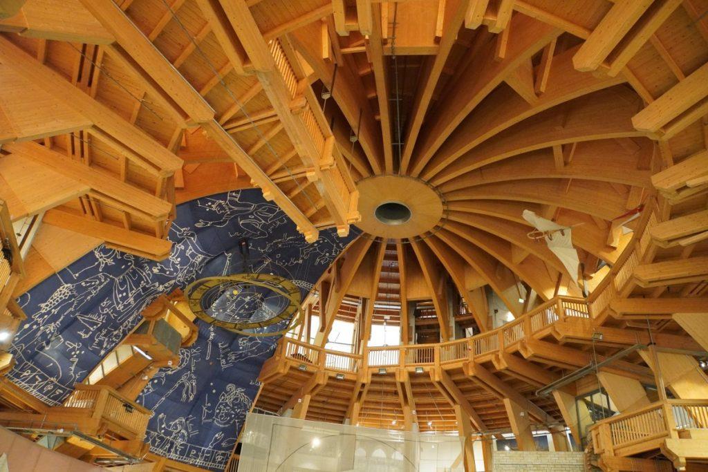 Holzkonstruktion im Jahrtausendturm