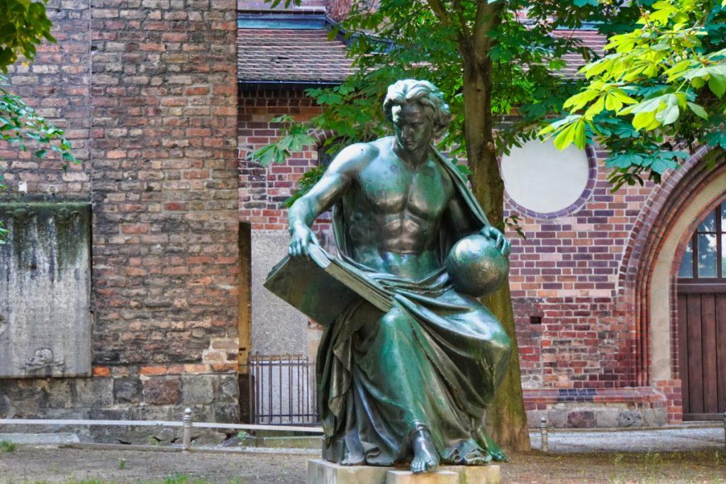 Statue der Wissenschaft